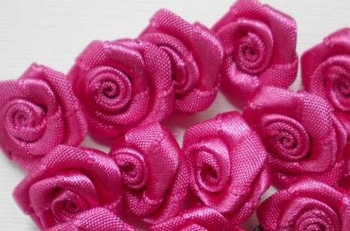 10 Mini-roses en satin  GRAND modèle FUCHSIA